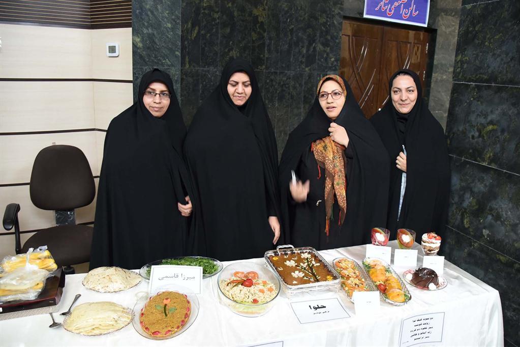اولين جشنواره غذاهاي سالم به مناسبت هفته بزرگداشت مقام زن و روز مادر